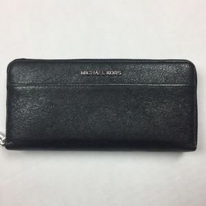 Michael Kors Mercer Zip Around Jet Wallet